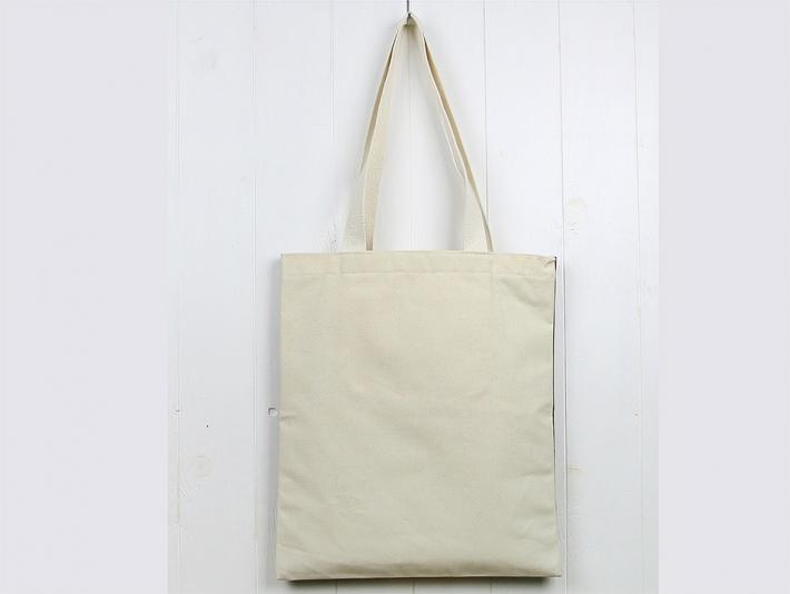 デイリーに使いたくなる便利なバッグです