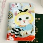 猫のパスポートケースH2 カップ・イン・アリス