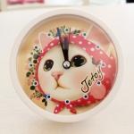 【SALE!】猫の目覚まし時計 ピンクずきん