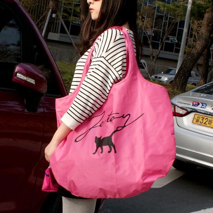 ホットピンクのポーチ付き☆<br>とてもキュートな<br>ビビットカラーのエコバッグ♪<br>シンプルなデザインだから<br>とっても使いやすい(^^)