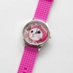 【ワケあり】猫のビッグフェイス腕時計 ピンクずきん シルバー/ピンク