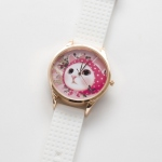 【ワケあり】猫のビッグフェイス腕時計 ピンクずきん ピンクゴールド/白
