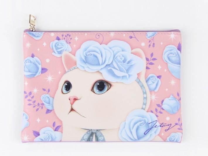 ピンクベースに<br>青いバラが綺麗に映えます!<br>白猫の毛並みも美しい〜♪