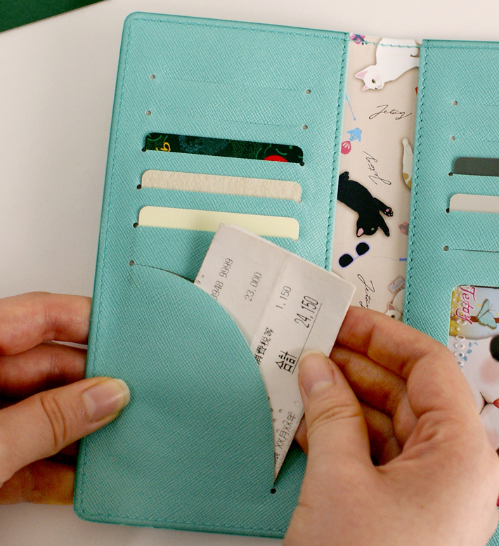 <br>カードは全部で10枚収納できます。