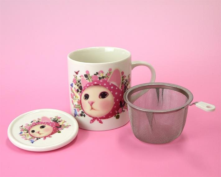 同じ形のマグカップで3柄ご用意しています。