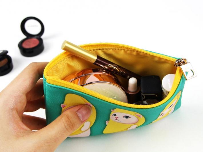 バッグが小さいときは<br>最小限を持ち出して♪<br>※写真は別の柄のものです。