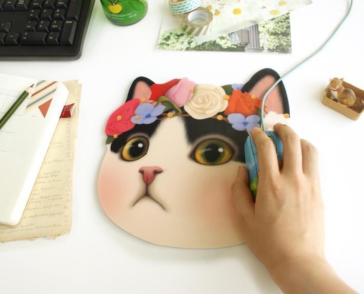 充分な大きさがあるので<br>使いやすくて便利!<br>PCまわりを<br>かわいらしく彩ります♪