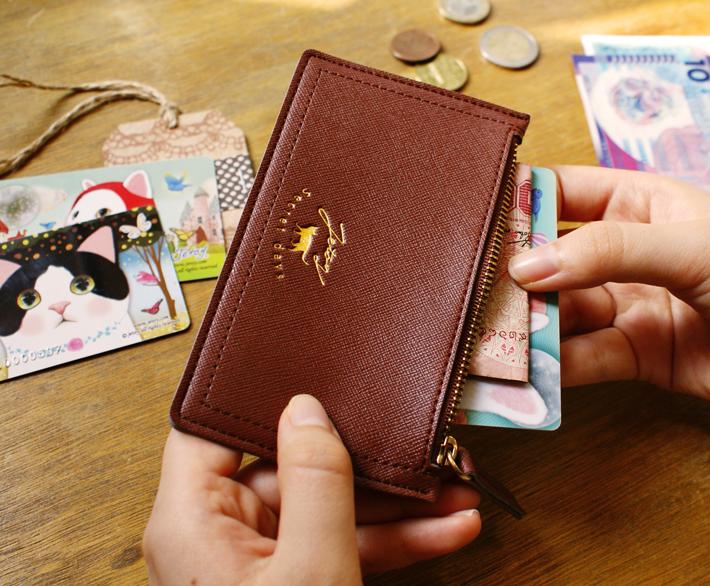 ゴールドのファスナーが<br>とってもエレガント♪<br>小銭はもちろん<br>小物やカード類を収納するのも<br>おすすめです☆