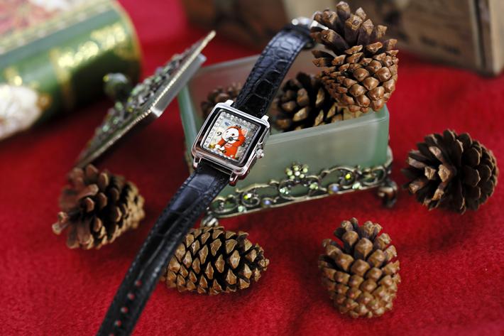 シルバーのフェイスと<br>ブラックのベルトで仕上げた<br>おしゃれなデザインの腕時計☆