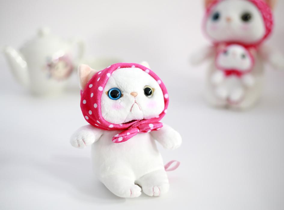"""<a href=""""http://www.choochoo.jp/i/AX021""""><font color=""""red"""">【猫のぬいぐるみ ピンクずきん S】</a></font><br><br>大人気のキャラクター<br>ピンクずきんのぬいぐるみも<br>お付けします(^^)<br>真っ白な身体と<br>キュートなお顔が魅力的♪<br><br>※必ず1つお入れします。"""