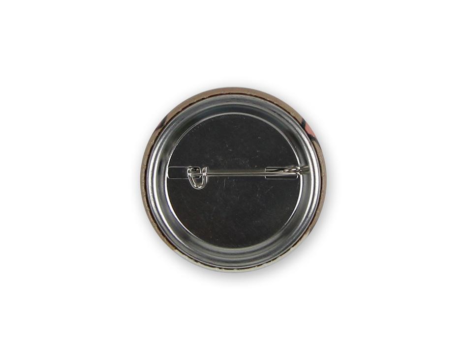 裏側は取り外し簡単な缶バッジになっています☆<br>(※写真は別の柄のものです。)