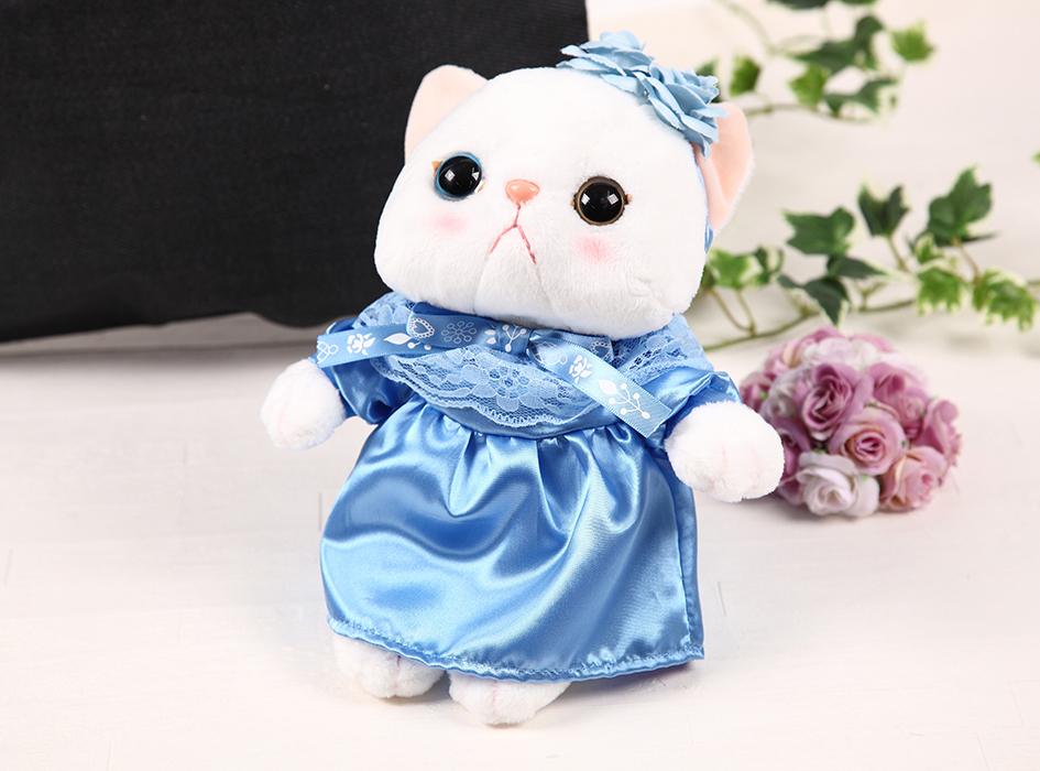 ブルーローズ猫の<br>高級感あふれるぬいぐるみ♪