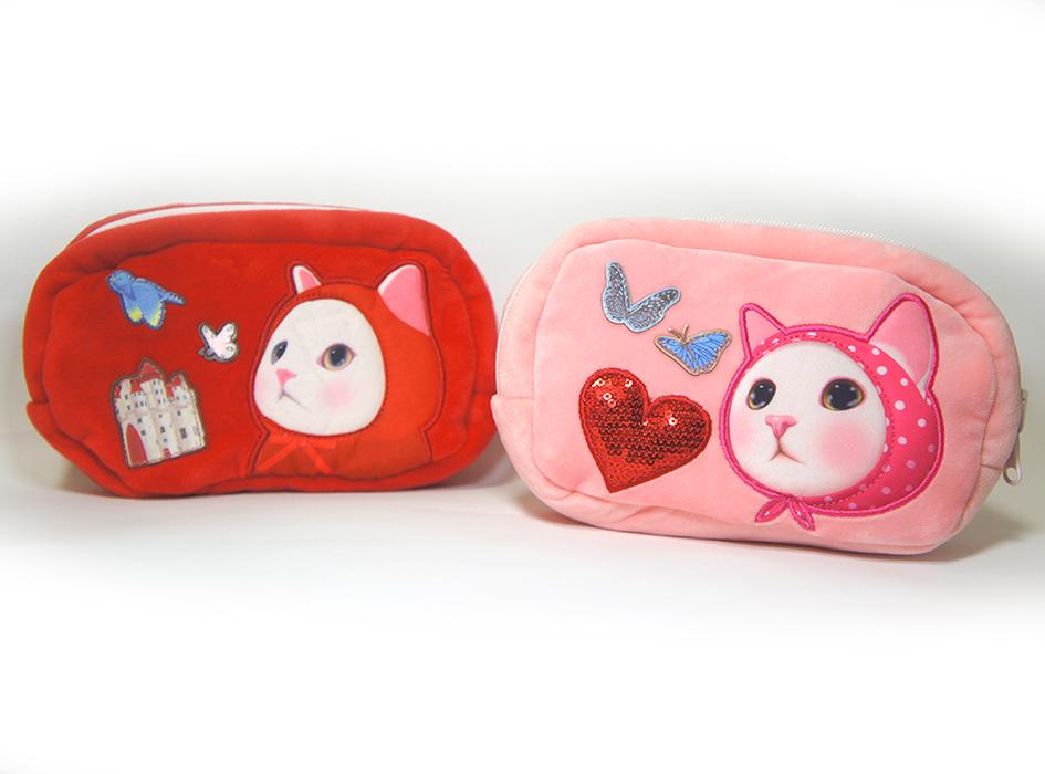 猫のふわふわリバーシブルポーチ 赤ずきん/ピンクずきん