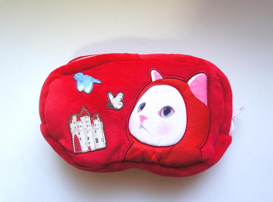 赤ずきんのぷっくりとしたほっぺがかわいい!<br>ワッペンが縫い付けられているので<br>立体的なデザインなのも魅力的◎
