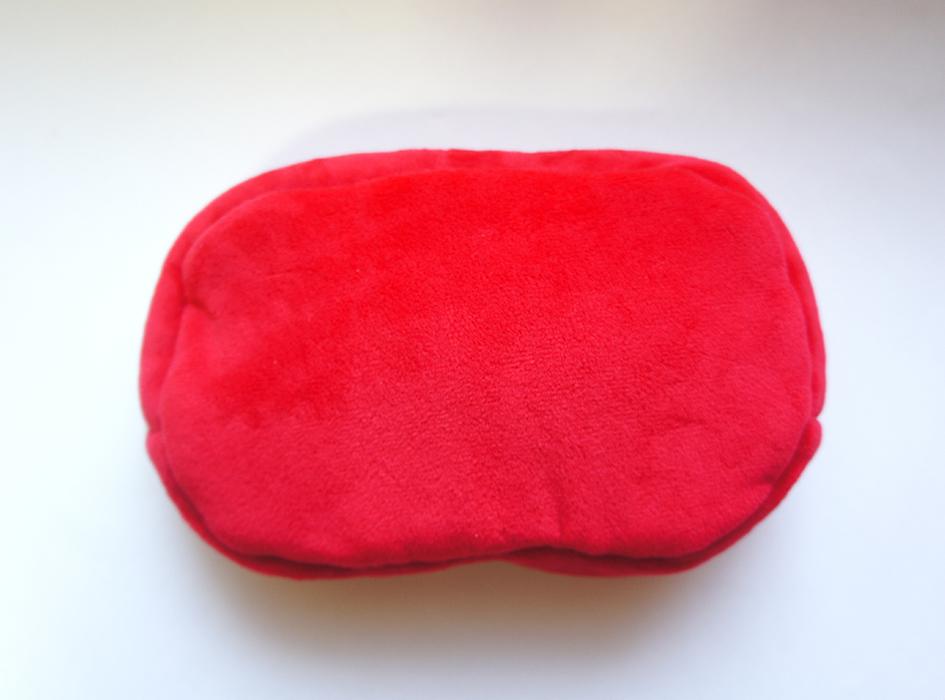 裏面は、鮮やかな赤色♪<br>触り心地も柔らかく、気持ちいい♪