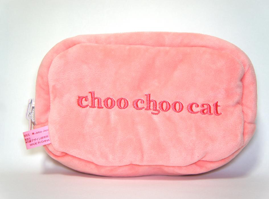 裏には、choo choo cat の刺繍が!!<br>猫耳やしっぽなどを<br>イメージした字体になっていて<br>とってもかわいらしいですよね!◎