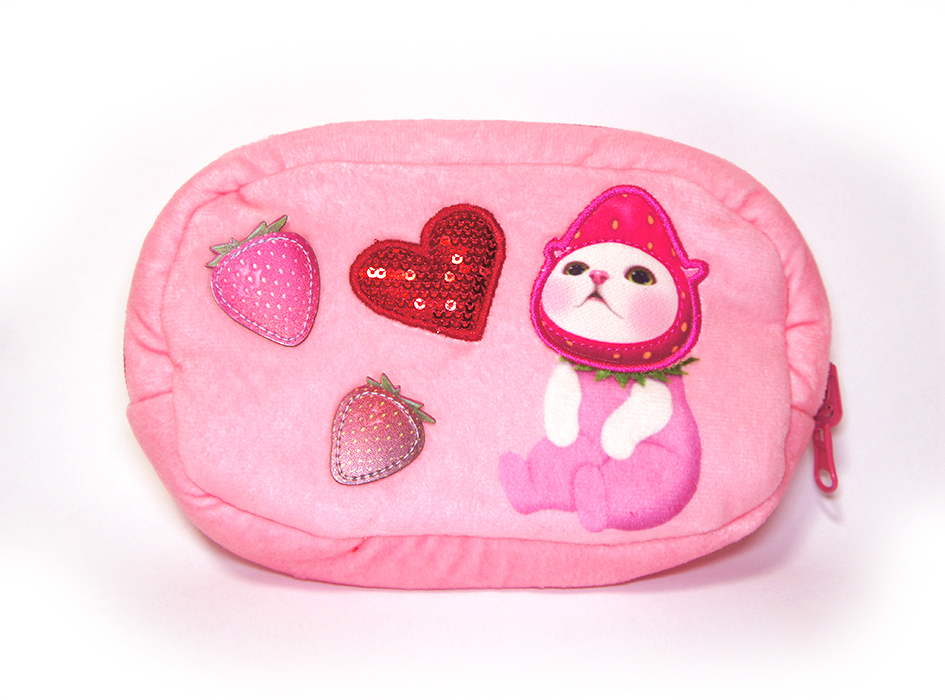 表は、いちご猫のキュートな絵柄♪<br>乙女心をくすぐる、<br>愛らしいモチーフがデザインされています!