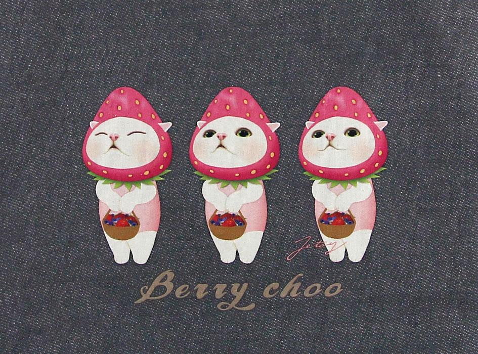 いちご猫が3匹ならんだデザインが魅力的♪<br>表情もひとつひとつ違うのがポイント☆