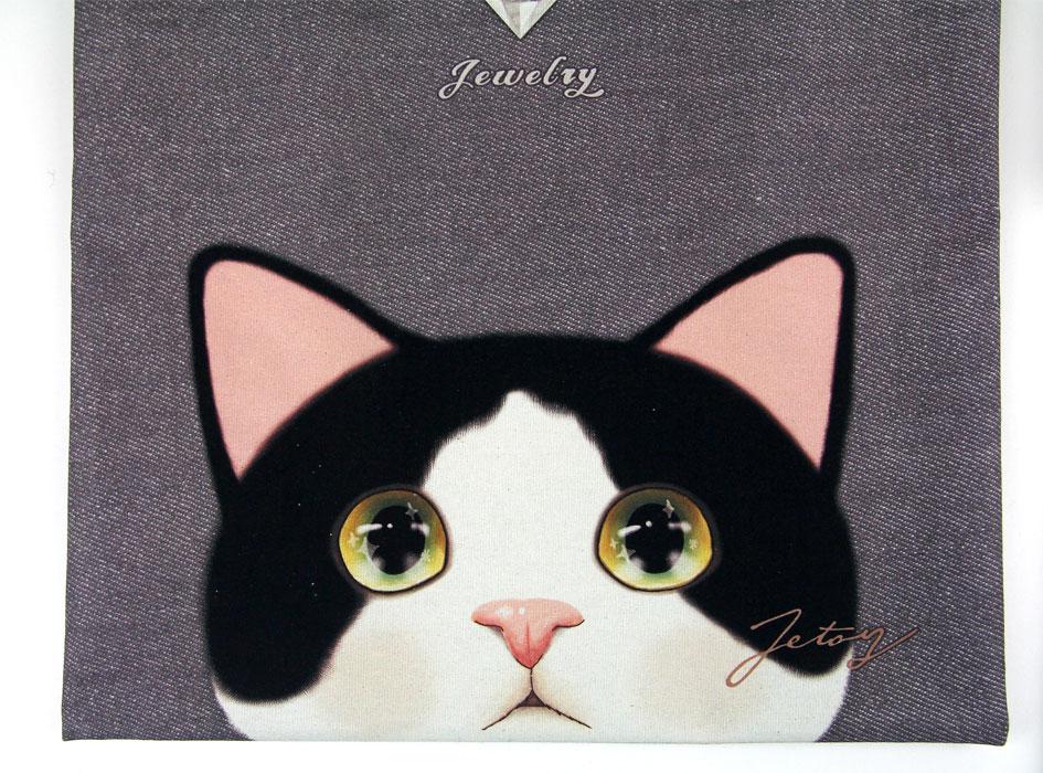 全面に描かれた、白黒猫がとってもかわいい!!<br>あどけない表情に癒されます♪