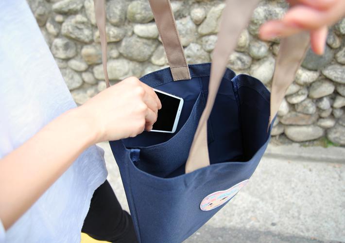 レジ袋の代わりに使うのはもちろん<br>通勤や通学用のバッグとしても<br>おすすめです☆<br>※写真は別の柄のものです。