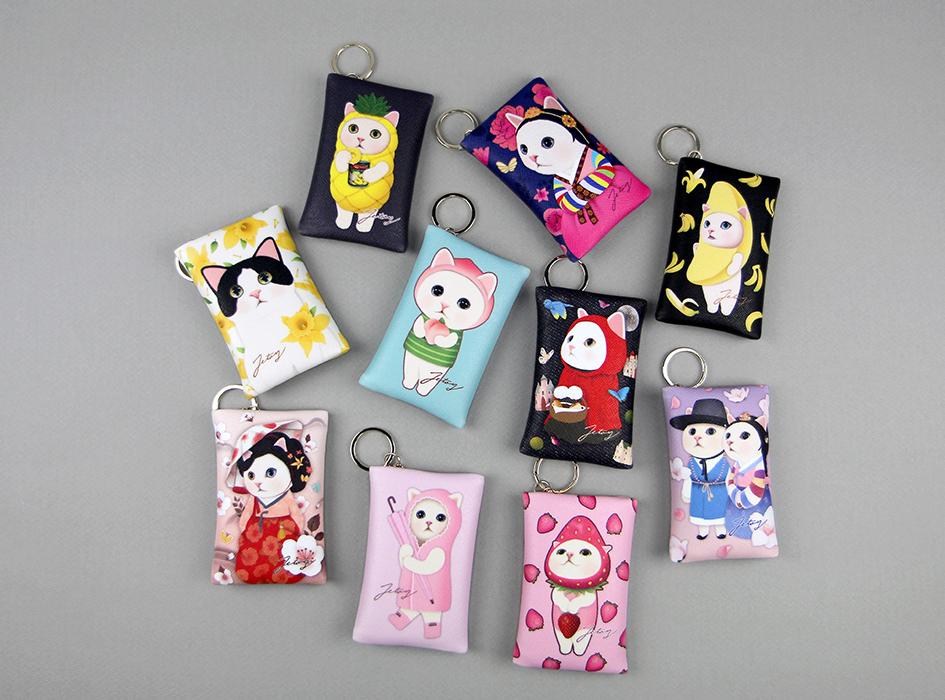 白黒フラワー以外にも<br>たくさんのデザインをご用意しております☆<br>お気に入りのchoo choo猫を付けて<br>ご機嫌でお出かけしましょう(^^)