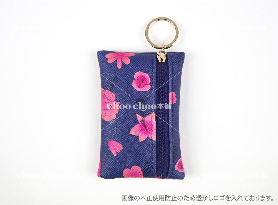 黒に映える鮮やかなお花が<br>とてもすてきです◎<br>ファスナータイプのカードケースは<br>カード類だけではなく<br>小物や小銭を入れてもよさそうです☆