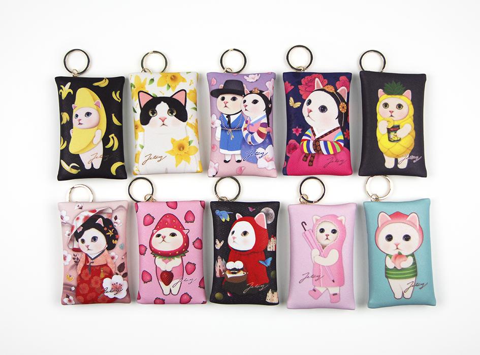 デザインが豊富な<br>カードケースチャーム2☆<br>どのchoo choo猫を選ぶか<br>迷ってしまいますね(^^)