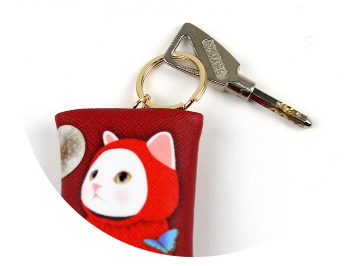 しっかりとしたリングがついているので<br>大切な鍵も安心して付けられます♪<br>(※写真は別の柄のものです。)