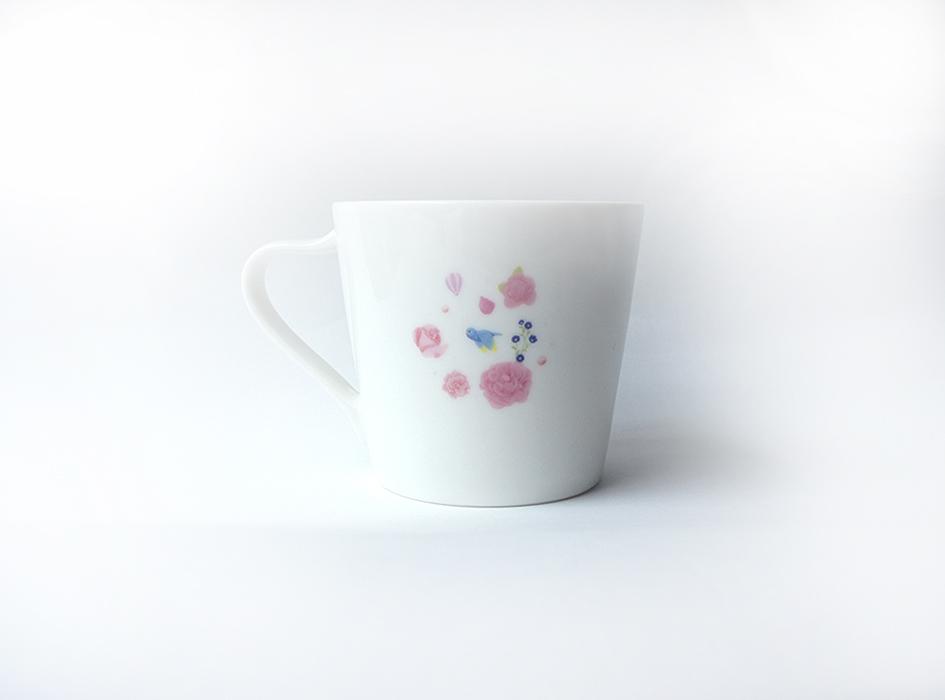 裏側もとてもキュートなデザイン♪<br>どこから見てもかわいい<br>ミニマグカップは<br>お客さま用としても重宝すること<br>間違いなしです(^ ^)