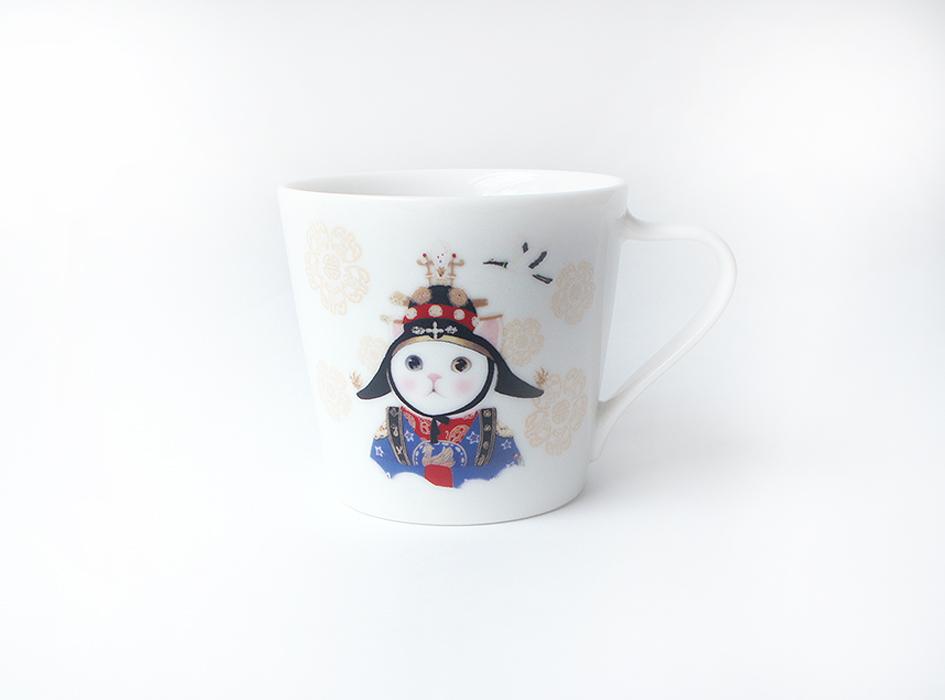 大人気ドラマ「宮(クン)」の<br>ヒロインを彷彿とさせる<br>白猫のイラストがとてもキュート◎<br>まさに女王の風格が漂っています☆