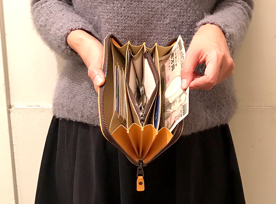 1万円札も、すんなり入ります♪