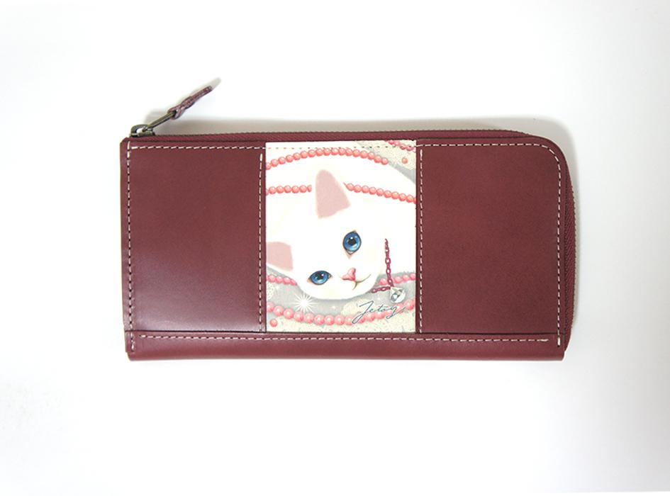 上品なボルドーカラーの<br>本革を使用しています♪<br>上質な長財布を<br>お求めの方はぜひ(^^)