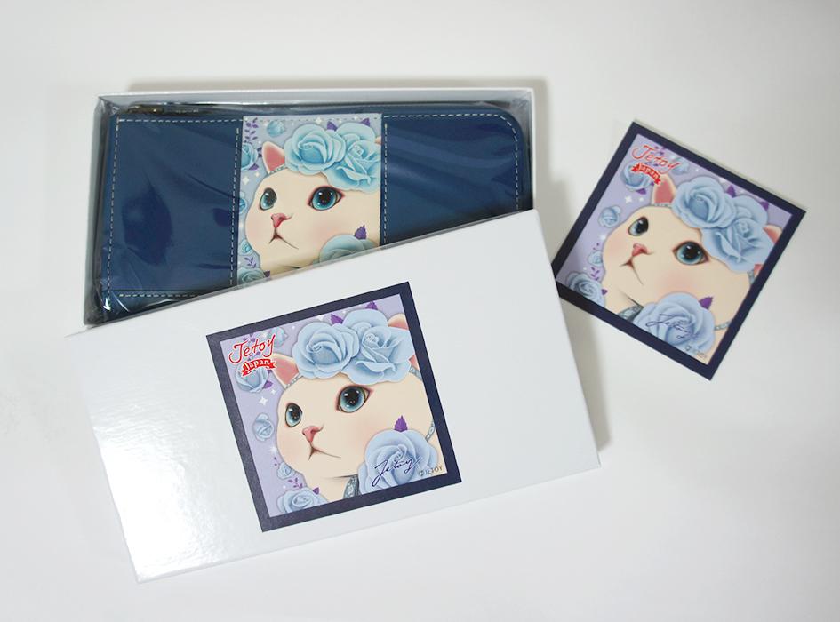 専用の箱に入れて<br>お届けいたします♪<br>長財布と同じ絵柄の<br>かわいいシールも付いてくる☆<br>お好きなものに貼って<br>オリジナルchoo chooグッズに<br>するのもおすすめです(^^)