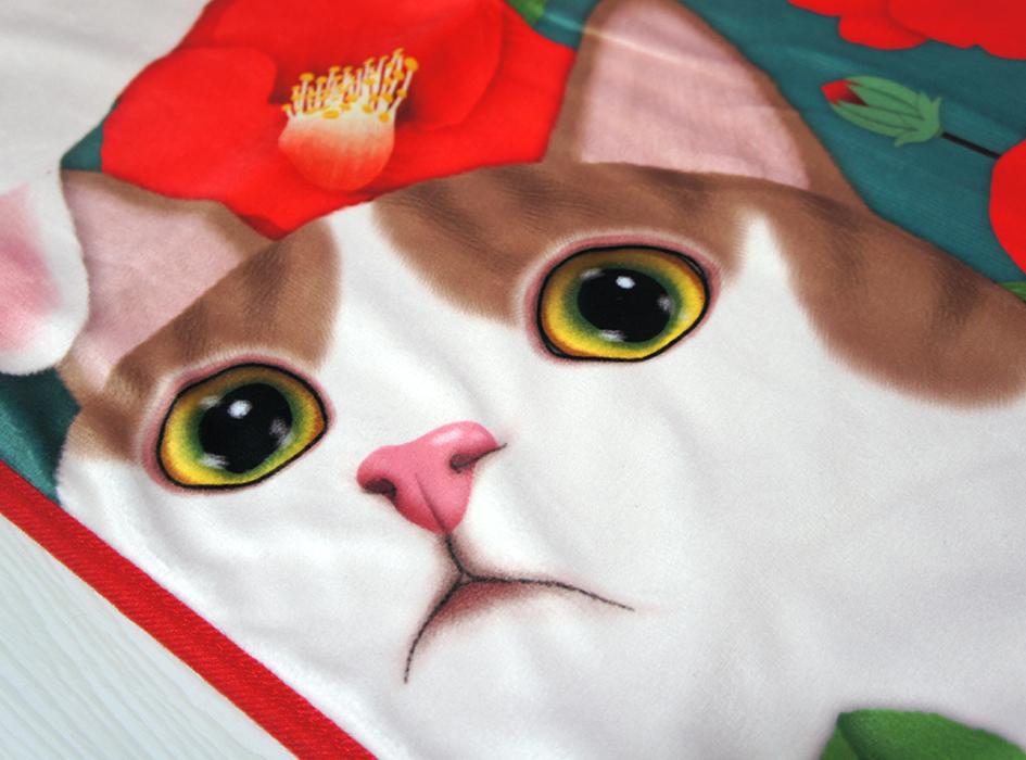 かわいいネコが<br>大胆にデザインされています♪