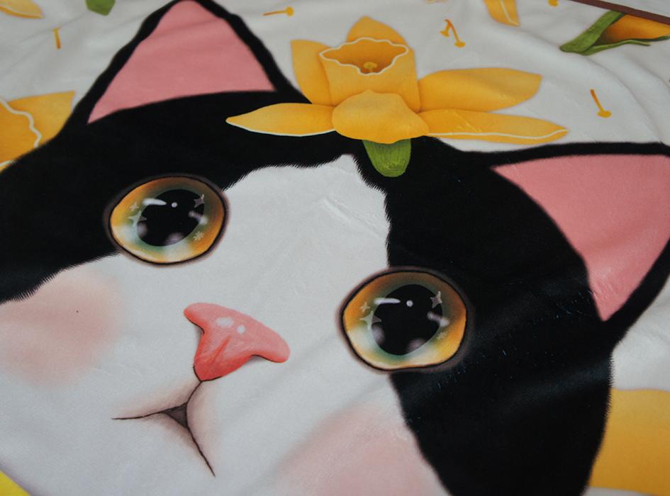 かわいい白黒ネコが<br>ドーンと描かれています♪