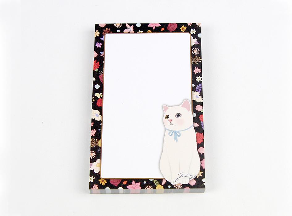 ブルーリボンを首に巻いた<br>白猫がかわいい♪<br>枠もかオシャレに<br>描かれているのが魅力的♪