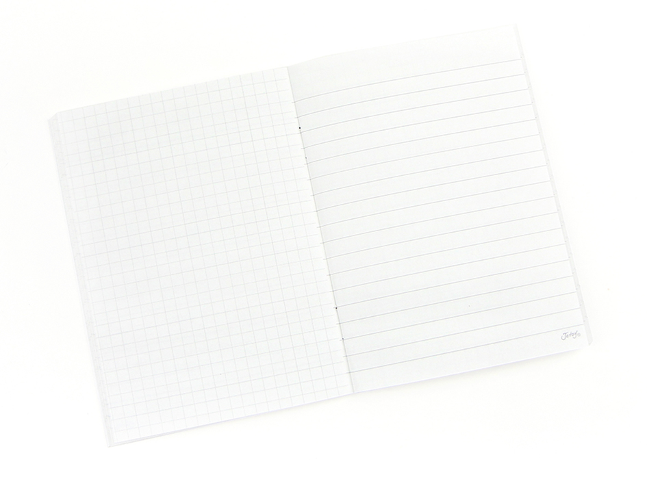 中は、方眼紙と羅線のノートになっているので<br>用途に合わせて使いやすくなっています!