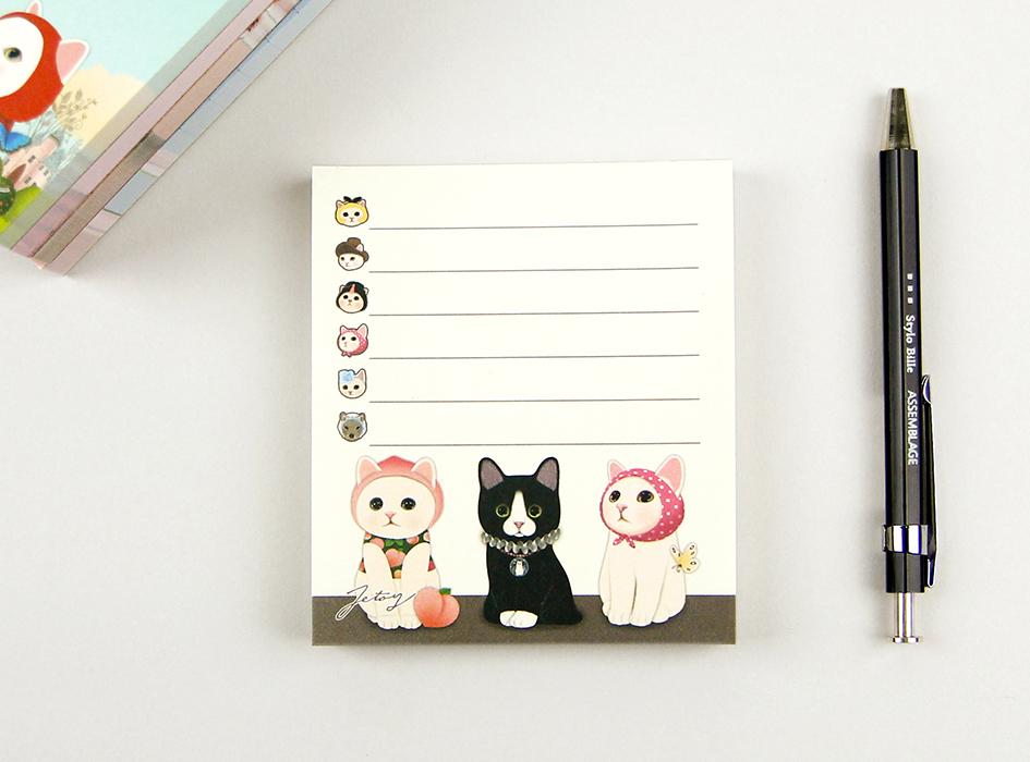 ピーチ猫、黒猫、ピンクずきんの<br>3ショットがとても<br>キュートなメモパッド☆<br>罫線付きで使いやすそうです(^^)
