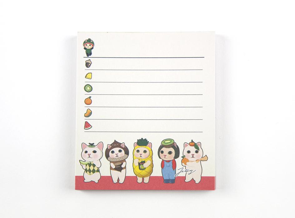 ほぼ正方形のメモ用紙は<br>罫線付きでとっても使いやすい♪<br>メモを書いたり<br>スケジュールを書いたり<br>メッセージを書いたりと<br>アイデア次第で幅広く使えます☆