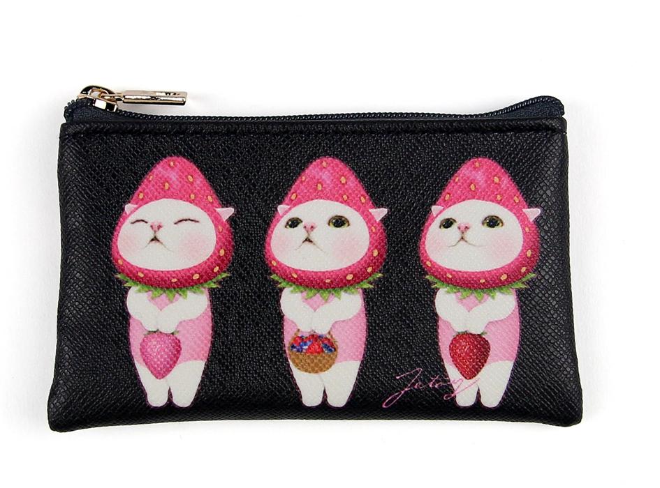 ピンク色のいちごに扮した、<br>3匹のいちご猫があどけない表情で<br>とってもかわいい♪<br>見ているだけで笑顔になれるデザインです♪