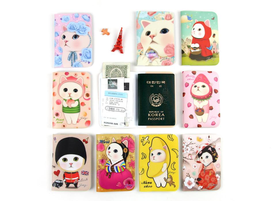 猫のパスポートケースは豊富なラインナップ♪<br>このほかにピンクずきんやグレイレオパードなども!